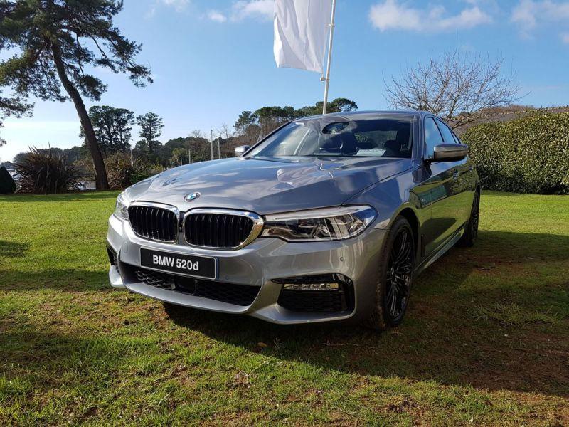 Nouvelle-BMW-Serie-5-Vannes-Le-Roof-Conleau-Littoral-Automobiles