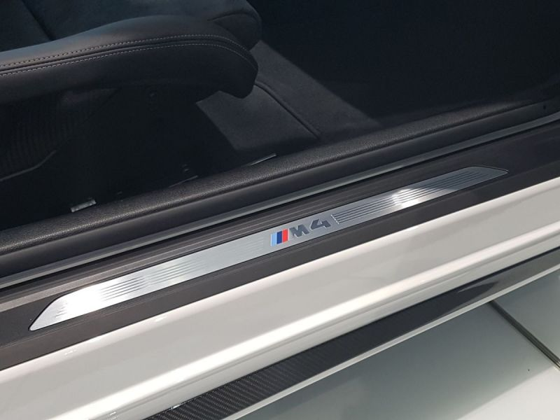 BMW-M4-Latitude-Automobiles-2