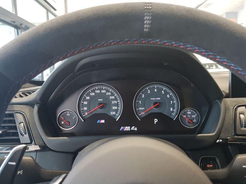 BMW-M4-Latitude-Automobiles-8