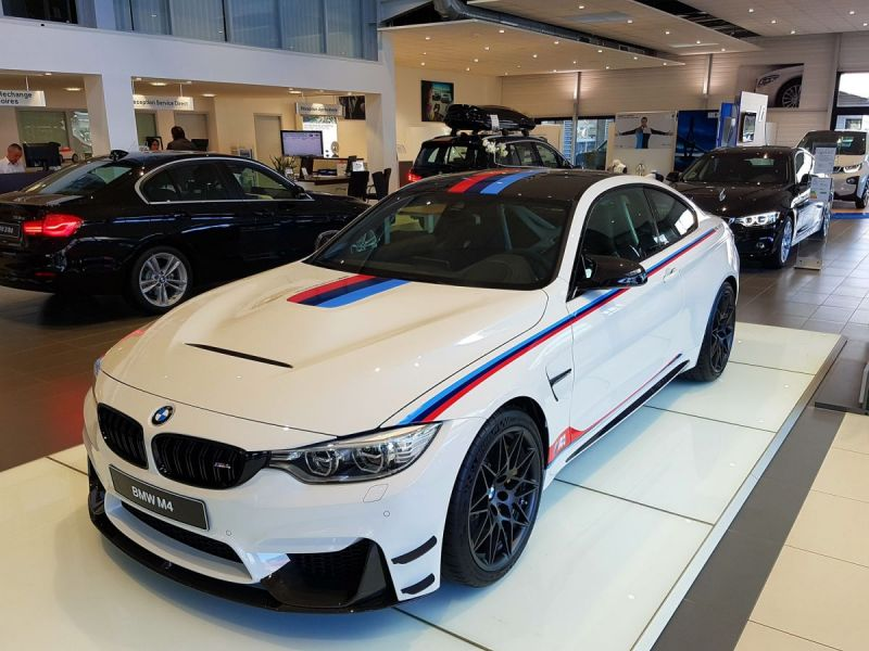 BMW-M4-Latitude-Automobiles